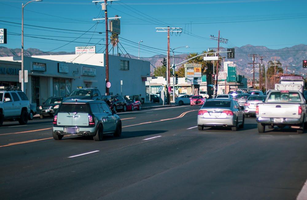 Fresno, CA – One Person Killed in Car Crash on Brawley Ave