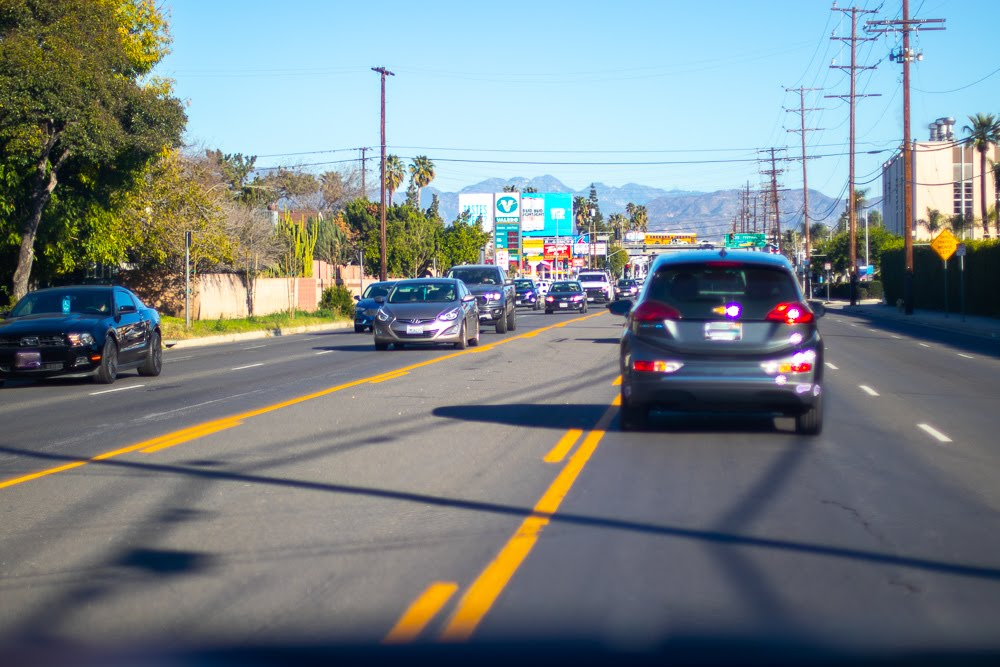 Stockton, CA – Vehicle Collision on Valley Oak Dr Results in Injuries