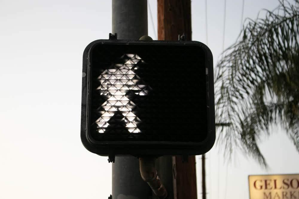 Fresno, CA – Pedestrian struck by Van on E Barstow Ave