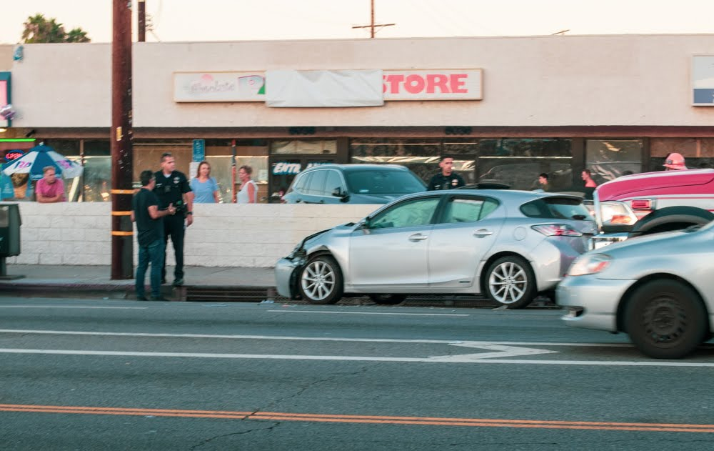 Bakersfield, CA – One Injured in Car Crash on Panorama Dr